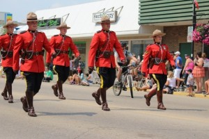 canada-day-parade-mounties-1404797368KM4